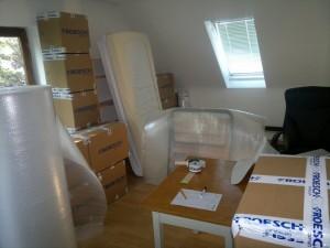 Arbeitszimmer im eingepackten Zustand